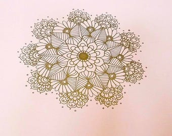 Amelie-A lacy design in shimmering gold