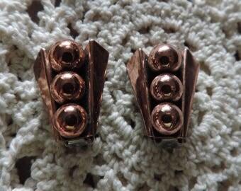 """Vintage Renoir Matisse Earrings/Vintage Modernist Copper Earrings/Vintage Clip-ons. """"Pea Pod design"""" Pre-1954 Renoir Company Jewelry"""