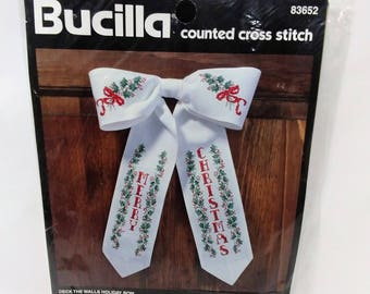 Bucilla counted cross stitch kit #83652 Deck The Walls Holiday Bow Vintage 1996