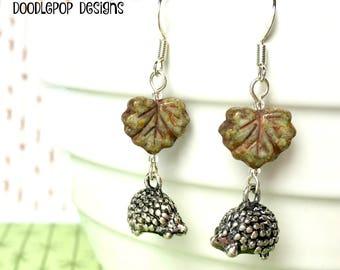 Hedgehog earrings - Hedgehog jewellery - Woodland animal earrings - Animal lover gift - Cute animal - Maple leaf earrings - Stocking filler