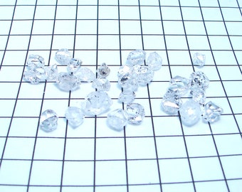 Herkimer Diamonds 28 pieces from Fonda N.Y. 111.10 carats, nice shiny crystals. The most powerful of all Quartz crystals