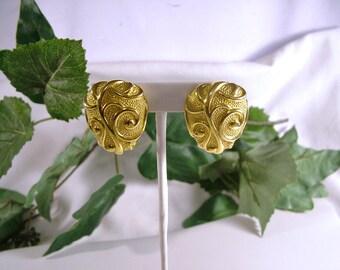 Vintage Jose Maria Barrera for Avon 1980's Gold Venetian Mist Clip Earrings