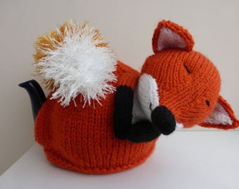 Fox tea cosy to fit 1.5 pint tea pot. Hand knitted. Great gift idea.v