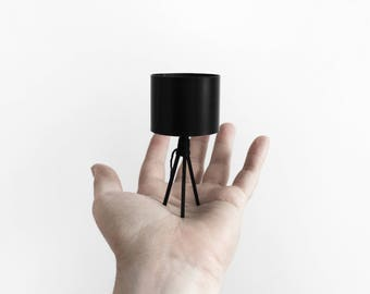 3 legged table lamp