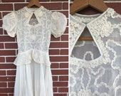 Vintage Inspired Wedding Dress | Vintage Style Wedding Dresses Vintage 1940s Ecru Mid Century Wedding Gown  Womens Size XS Small S Bridal Dress Off White Beige Puff Sleeves Key Hole Neck $185.00 AT vintagedancer.com