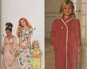 Simplicity Pattern 7930 Childs Nightgown, Pajamas and Robe UNCUT Size 3 - 6