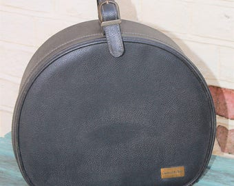 Charles of the Ritz Round Travel  or Vanity Case c1950s. Chic New York Cosmetic Brand