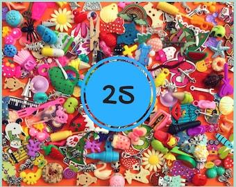 set mixte avec 25 miniatures