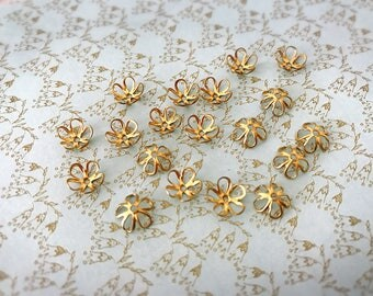 18pcs 7.5 mm Golden raw Brass filigree flower bead caps