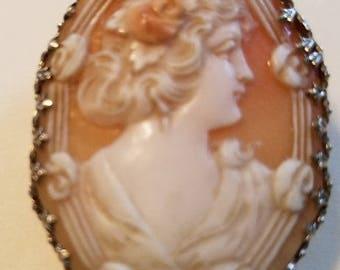 14kt Vintage Shell Cameo Brooch