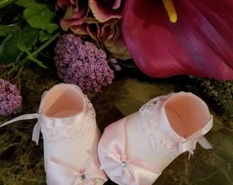 Pink Lace Shoe Favors / Bootie Shoe Favors / Baby Shower Favors / Set Of Ten Pink Booty Shoe Favors / Pink Shower Favors