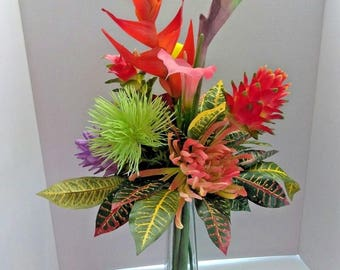Tall Tropical Table Centerpiece, Water Illusion