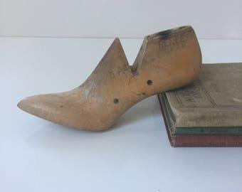 """Vintage Women's High Heel Shoe Last """"Renee"""""""