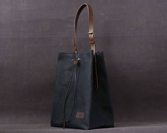 Waxed canvas tote bag OLGA blue navy