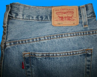 Levis 550 Relaxed   Size 20 M