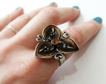 Vintage Ring - Flower Ring - Fashion Accessory - Unique Find - Gift For Her - Gift Idea - Large Flower Ring - Adjustable - Gold Amber Color