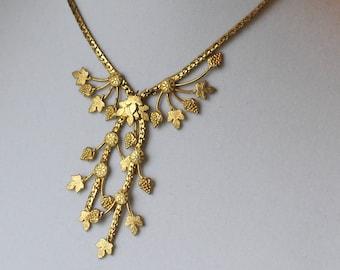 Vintage Grape Necklace, Gold Tone, Grapes, Grape Leaves, Choker, KC114