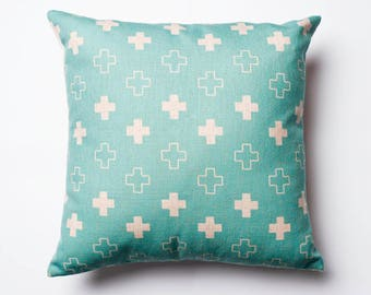Kriskros pattern cushion cover