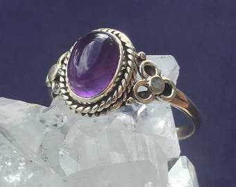 Oval Amethyst Handmade 92.5 Silver Ring US Size 7 1/2  approx. 9mm x 7mm