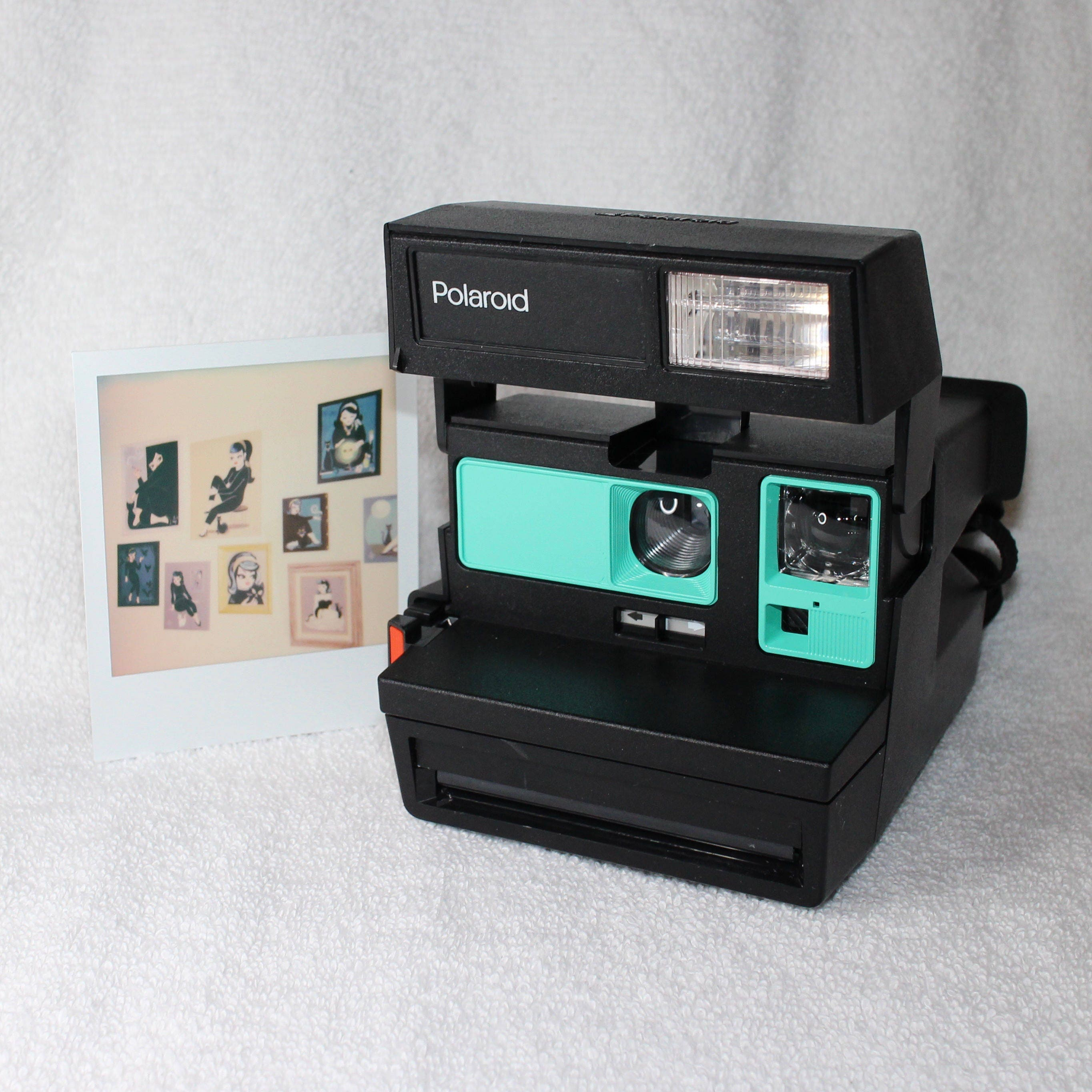 upcycled polaroid sun 600 with retro green cleaned and tested. Black Bedroom Furniture Sets. Home Design Ideas