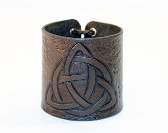 Bracelet with Triquetra! Handmade leather cuff! Celtic symbol! North symbol! Leather bracelet! Leather accessories!
