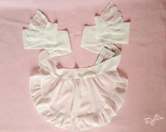 O030B Closet in Wonderland chiffon apron-white