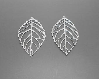prints 2 leaves silver 51 x 31 mm