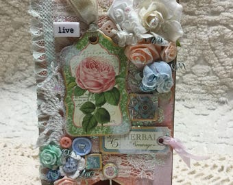 SHABBY CHIC Live Pennant - Handcrafted