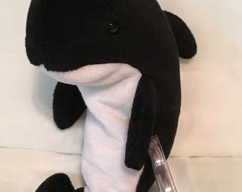 TY Beanie Baby - WAVES the Orca Whale - Pristine with Mint Tags - PVC Pellets - Retired
