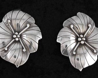 "Vintage "" Carol Felley "" CDF 1985 Sterling Silver Orchid Earrings"