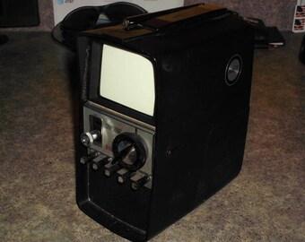 Vintage 60s Symphonic Minni B/W Portable TV - Television TPS-5050