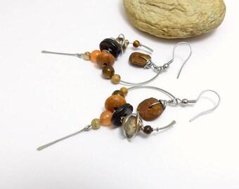 Boucles d'oreille tribales marron beige, pierre, bois, verre et acier inoxydable (BO 15)