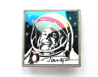 Cosmonaut Yuri Gagarin, Badge, Space, Cosmos, Rare Soviet Vintage metal collectible pin, Made in USSR, 1980s