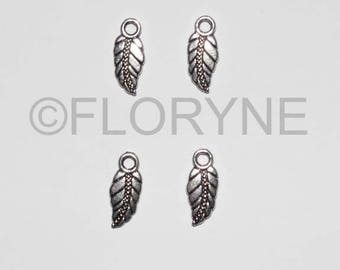 4 charms Charms in antique silver feathers