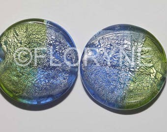 2 large green glass disc beads and blue 33Mm