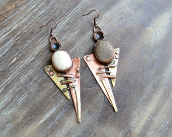 Copper and brass earrings with a pebble, sea stones, triangular earrings