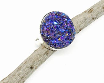 Druzy Ring set in sterling silver (92.5). Size -5 and 6.