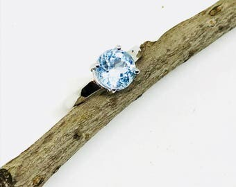 Aquamarine ring set in sterling silver (92.5) size - 7. Natural authentic faceted aquamarine stone.