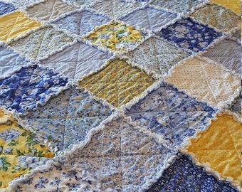 Dutch Garden Large Rag Quilt Throw - Yellow, Blues, White