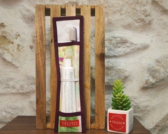 Case in oilcloth, nature, toothbrush and toothpaste