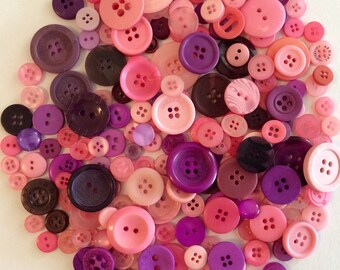 200 buttons of various sizes (Ref.MIX115)