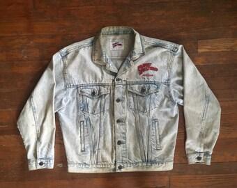 Vintage 1990s PLANET HOLLYWOOD New York Distressed Acid Stone Wash Denim Jean JACKET Size Medium Large Hipster