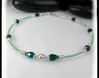 May Emerald, Green Crystal Anklet, Emerald Green Swarovski Crystal anklet, Green crystals and pearls anklet, Green jewelry, Summer jewelry