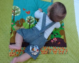 Thick baby squirrel/green pattern play mat