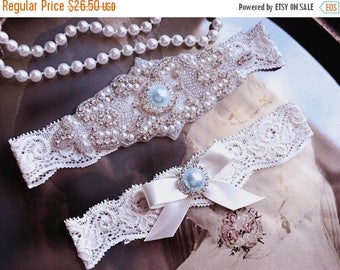 ON SALE Wedding Garter, NO Slip Lace Wedding Garter Set, bridal garter set, vintage rhinestones, pearl and rhinestone garter set