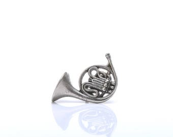 French horn, musical instrument, lapel pin, brass wind instrument, musical pins, classic music pin, jazz pins,