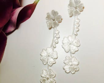 White lace wedding earrings * alcee *.