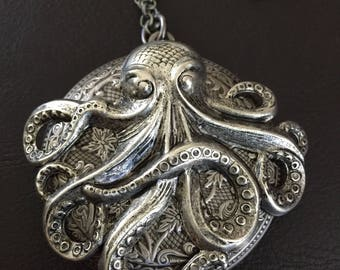 Octopus locket necklace, octopus necklace, the kraken, steampunk, Cthulhu, ocean jewelry, octopus gift