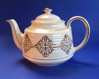 Elegant Ivory and Gold Sadler Vintage 4-5 cup Teapot England