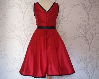 Vintage 50s black satin ribbon and Red taffeta dress. Size 38-40